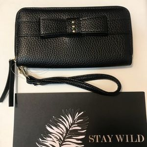 Handbags - ❤️🆕Wallet wristlet with Bow! Darling! NWT